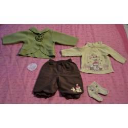 Ensemble Pantalon, T-shirt, Gilet et Chaussette